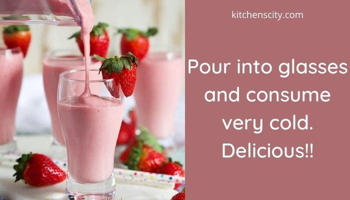 How To Make A Strawberry Banana Smoothie With Yogurt
